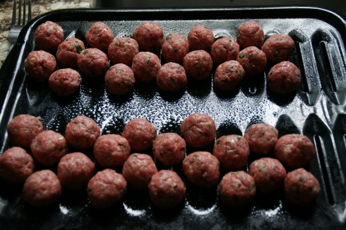 Many meatballs from a single pound of beef