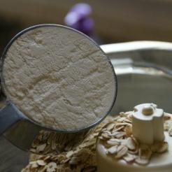 Plain ol' AP flour!